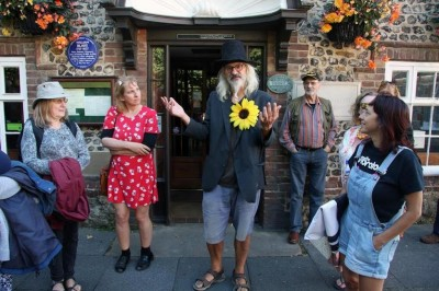 Stephen Micalef recounts the tale of Blake's pivotal altercation with a soldier outside The Fox in Felpham