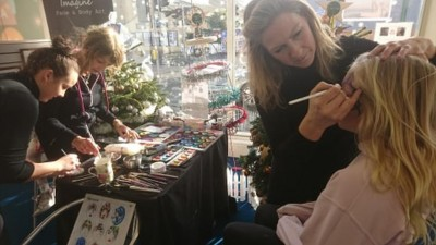 The wonderful Elissa Barrett from Imagine Face and Body Art, working very hard to decorate the children of Bognor at our Dec 2019 Pop-up art gallery.