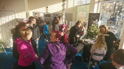 Our Dec 2019 pop-up art gallery with free Facepainting for children by Ellissa Barrett was very popular with people happy to look around and wait for their turn to get their children decorated!